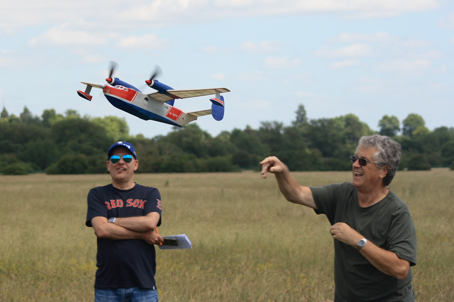 Peter Smart launches his Beriev Be-12 in front of judge Laurence Marks