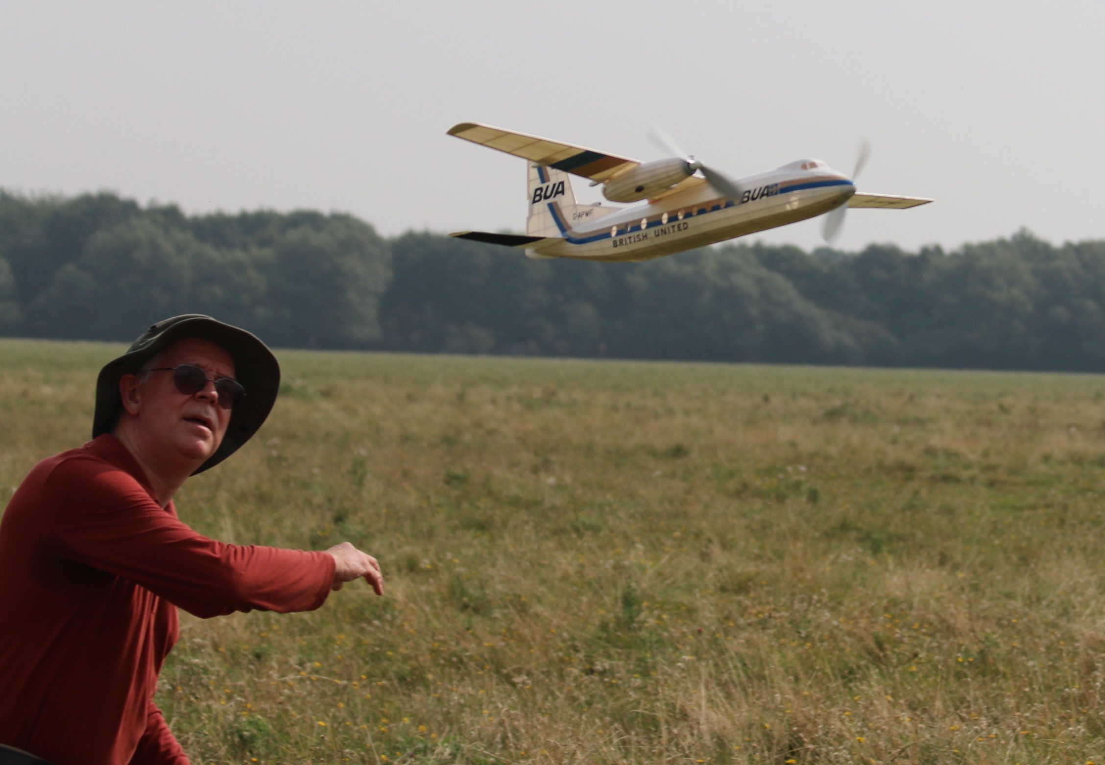 Mike Stuart launching his Handley Page Herald